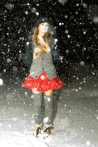 soreel boots - Red Tulle coat - J Leslie socks