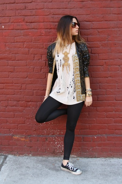 american apparels l leggings - Converseverse sweatshirt - YSL ring