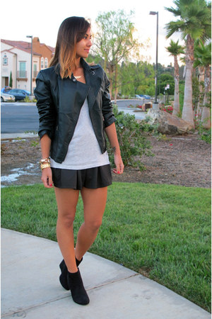 Mooncity jacket - Forever 21 boots - Qed London shorts - Forever 21 t-shirt