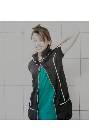 green c&a blouse - black Marisa dress