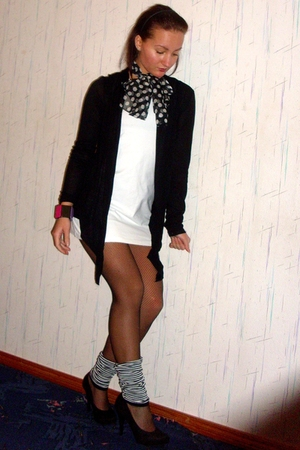 black scarf - purple O-zone accessories - white dress - black Graceland shoes -