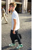 Alcott glasses - H&M shirt - H&M jeans - nike shoes