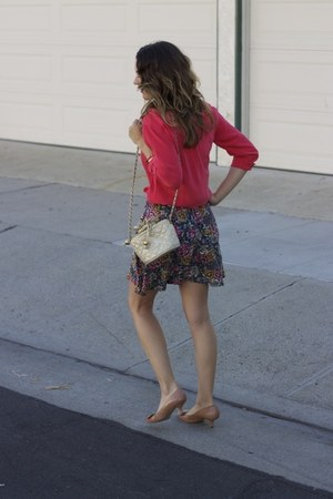 hot pink Equipment blouse - off white cream vintage chanel bag