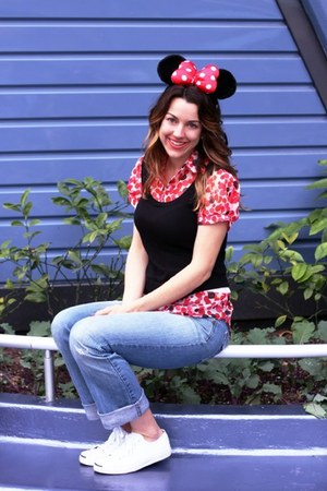Disney hat - relaxed joes jeans - Converse Jack Purcell sneakers