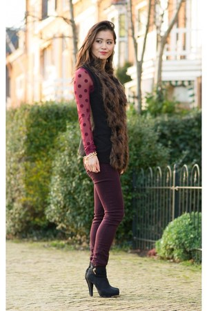 H&M top - H&M jeans - Miss Roberta heels