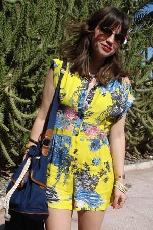 Zara jacket - H&M bag - Ray Ban sunglasses - Zara wedges - Topshop bodysuit