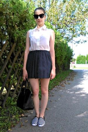black Romwecom skirt - white choiescom shirt - black New Yorker loafers
