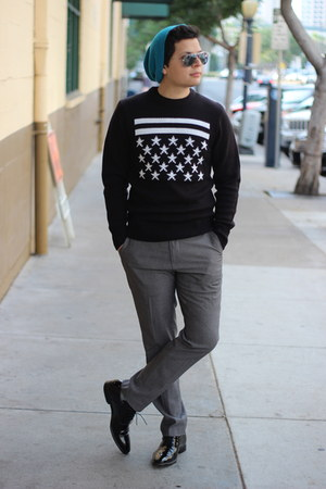 Nordstrom hat - Hugo Boss shoes - black H&M sweater - Ray Ban sunglasses