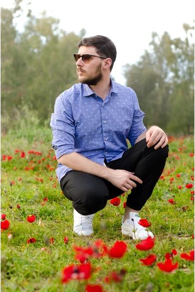 blue Massimo Dutti shirt - black Zara pants - white Adidas sneakers