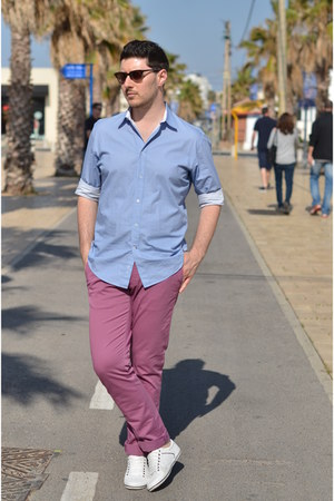 light blue Zara shirt - pink Massimo Dutti pants - white Pull & Bear sneakers