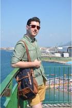 navy Zara bag - green Massimo Dutti shirt - mustard Zara shorts