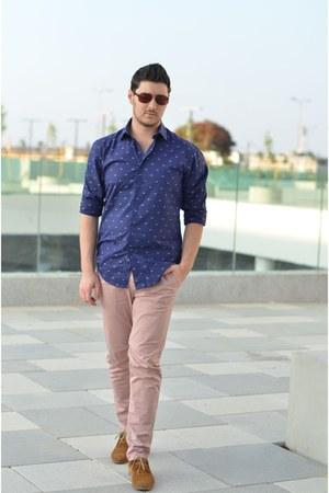 blue Zara shirt - bronze Aldo shoes - light pink Zara pants