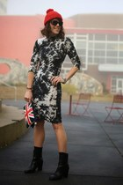 red union jack unknown bag - black booties Tahari boots