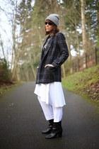 white skirt pant Zara pants - black booties Tahari shoes