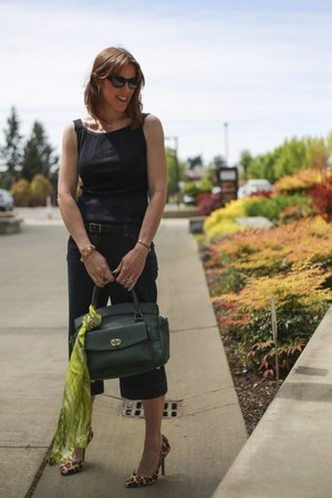 navy gauchos Loft jeans - dark green Jordana Paige bag