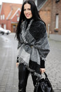 Black-zara-boots-black-floralpunk-hat-black-mango-bag-gray-oasap-cape