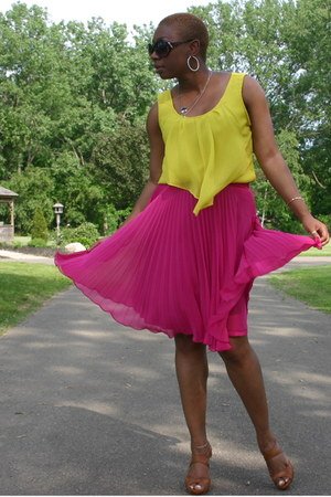 yellow top - hot pink skirt - camel sandals