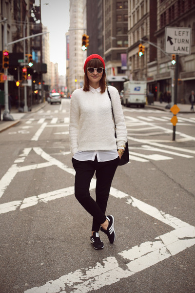 H&M jumper - Adidas sneakers