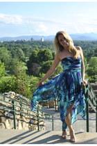 turquoise blue Hailey Logan dress - silver heels - teal Bebe earrings