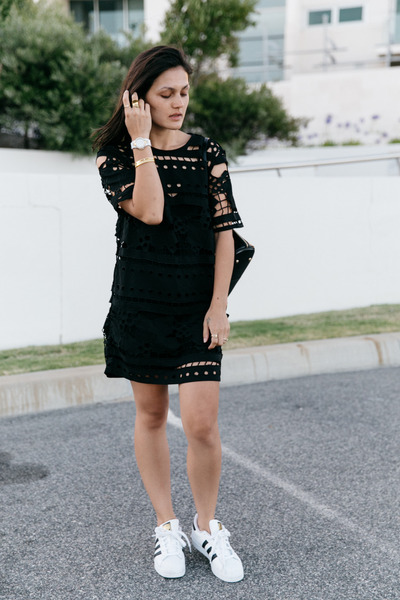 black alice mccall dress - black backpack Niclaire bag