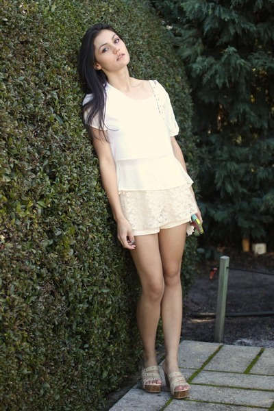 white marion Alexander Wang bag - eggshell lace skort Bewry shorts
