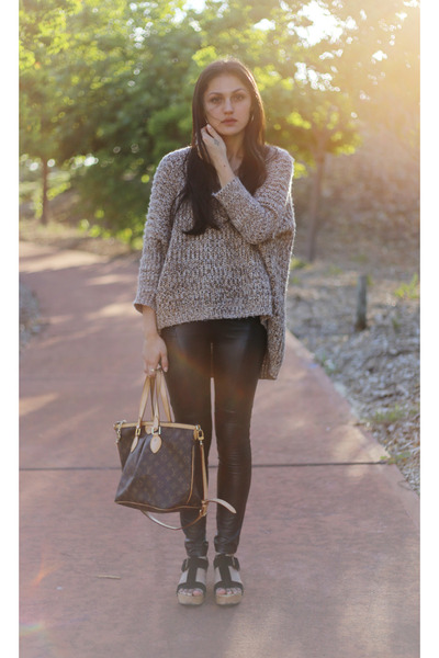 light brown batwing Unlabelled sweater - black motorcycle mama Mink Pink tights
