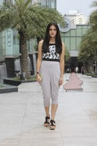 white bug print crop Aaneta top - heather gray ninja unbranded pants