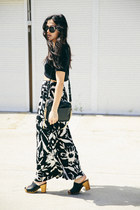 Who Wears The Palazzo Pants?