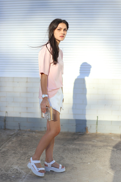 white Niclaire bag - white Missguided shorts - white Jeffrey Campbell sandals