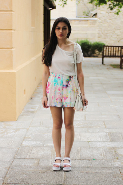 floral mosaic Talulah shorts - marion Alexander Wang bag - silk sportgirl top
