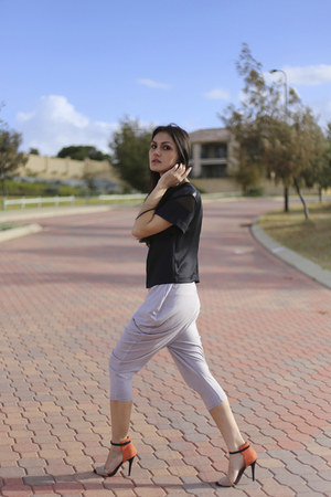 black stella August Street top - heather gray dance Unlabelled pants