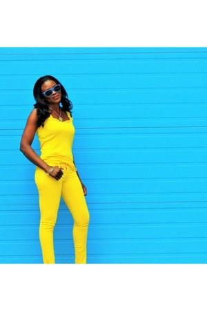 yellow skinny hollister pants