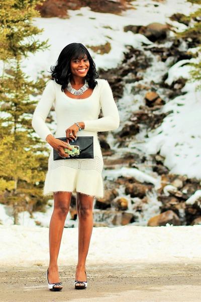 green 5s Kidogo Kidogo iphone case - white sweater Moda International dress
