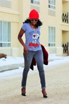 heather gray snoopy peanuts t-shirt - red Tribal coat - red beanie Ardene hat