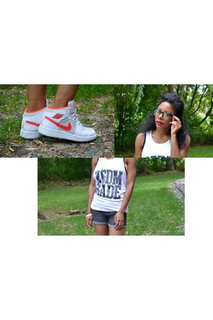 white tank Kingdom Made top - red Jordans sneakers