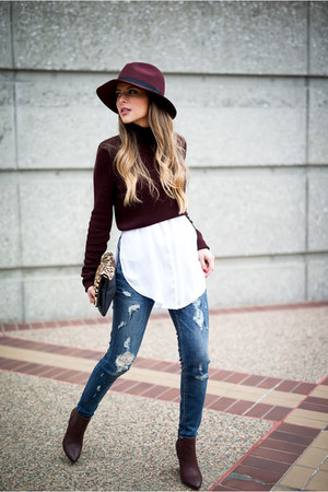 blue ripped Express jeans - crimson cropped Topshop sweater