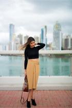 black crop top asos top - camel pleated skirt Zara skirt