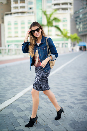 gray printed scotch and soda skirt - blue denim Old Navy jacket