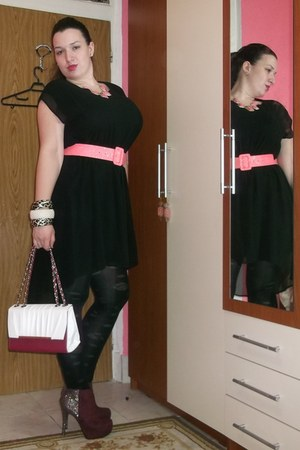 hot pink Gofavorcom necklace - brick red new look boots