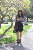 dark brown sam edelman shoes - red DIY bag - black Gap skirt - heather gray Gap