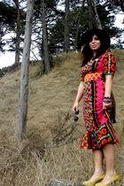 black thrift hat - thrift dress - gold ann taylor shoes - thrift accessories