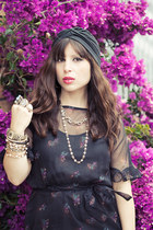 black vintage dress - black Urban Outfitters accessories