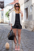 Sheinside blazer - H&M bag - Topshop shorts - Stradivarius top - Zara sandals