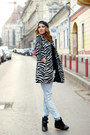 Sheinsidecom-coat-h-m-jeans-vans-hat-stradivarius-sneakers-zara-blouse