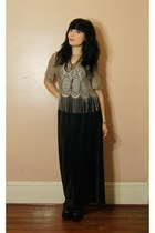 beige shirt - black skirt