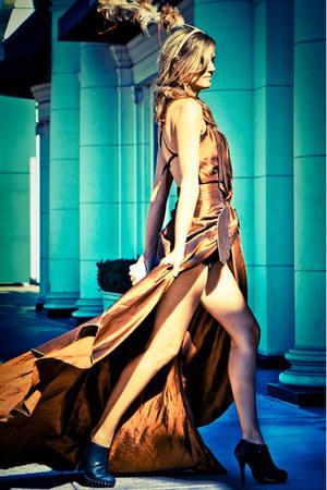 Shakar Rahate dress