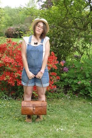 vintage hat - vintage bag - Kiabi shorts - H&M t-shirt - vintage accessories