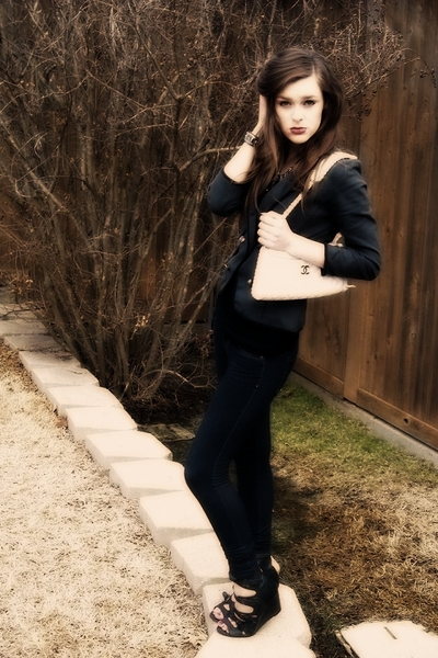 gray blazer - black shirt - blue jeans - black shoes - white Chanel lambskin 255