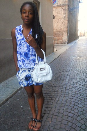 H&M shirt - Guess bag - Pennyblack shorts - Primark sunglasses