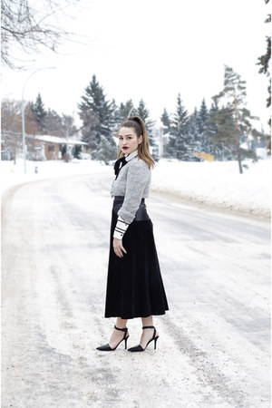 black midi vintage skirt - silver wool American Eagle sweater